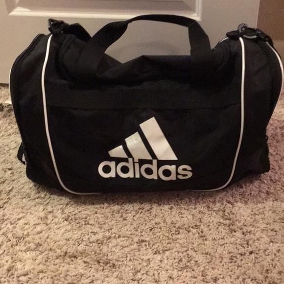 e69dad1f61 adidas Other - Adidas athletic bag
